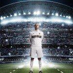 Benzema indossa la nuova maglia del Real Madrid