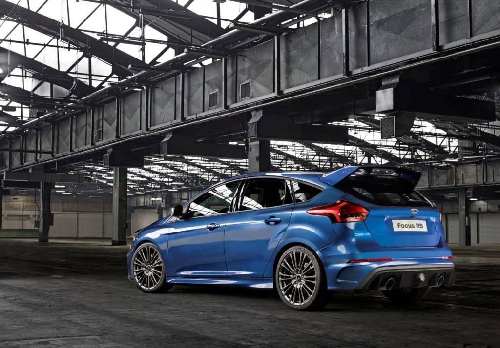Ford Focus RS profilo posteriore